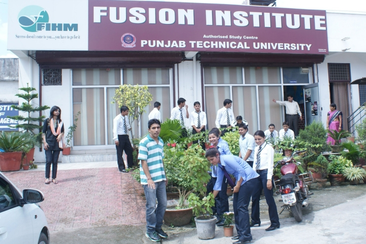 https://cache.careers360.mobi/media/colleges/social-media/media-gallery/19823/2018/12/17/Campus View of Fusion Institute of Hotel Management Dehradun_Campus View.jpg