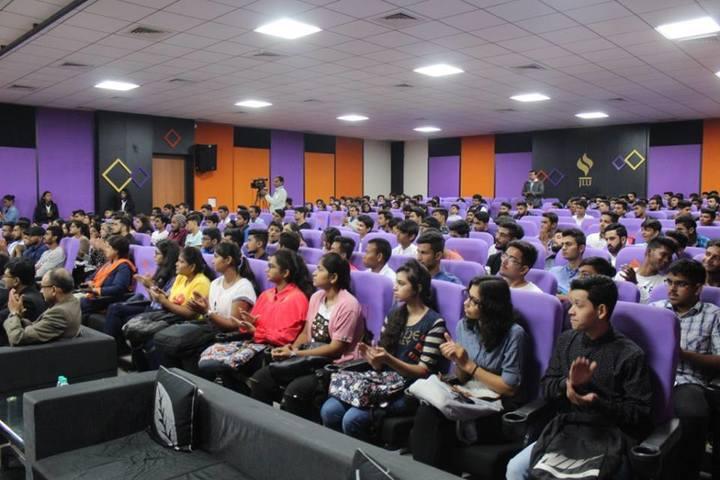 https://cache.careers360.mobi/media/colleges/social-media/media-gallery/19846/2017/8/22/Jagran_Lakecity_University05.jpg