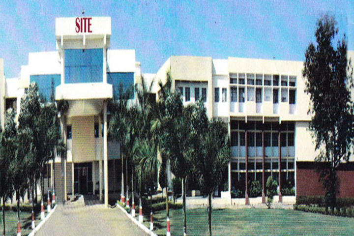 https://cache.careers360.mobi/media/colleges/social-media/media-gallery/19894/2017/8/23/Shree-Institute-of-Teachers-Education-Bhopal20.jpg
