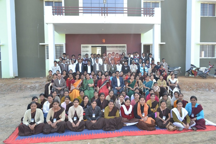https://cache.careers360.mobi/media/colleges/social-media/media-gallery/19919/2018/11/6/Group Photo of Narmada Education Society College of Education Hoshangabad_Others.jpg