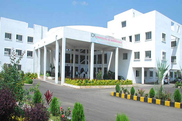 https://cache.careers360.mobi/media/colleges/social-media/media-gallery/1998/2019/3/13/College View of  Institute of Knowledge College of Engineering Pune_Campus-View.jpg