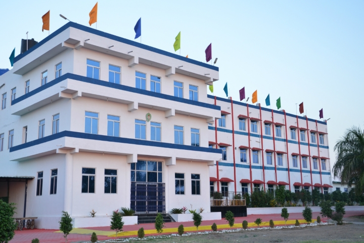 https://cache.careers360.mobi/media/colleges/social-media/media-gallery/20006/2019/1/9/Campus View of Royal Institute of Management and Advanced Studies Ratlam_Campus-View.jpg