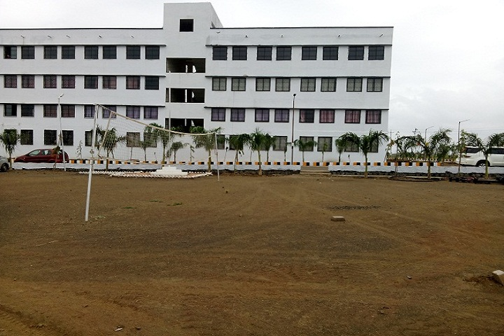 https://cache.careers360.mobi/media/colleges/social-media/media-gallery/2019/2018/10/15/Campus View of Bhagwant Institute of Technology Solapur_Campus View.jpg
