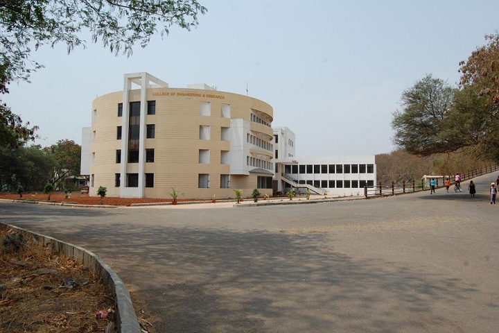 https://cache.careers360.mobi/media/colleges/social-media/media-gallery/2021/2019/4/5/Campus full View of ABMSPs College of Engineering and Research Pune_Campus-View.jpg