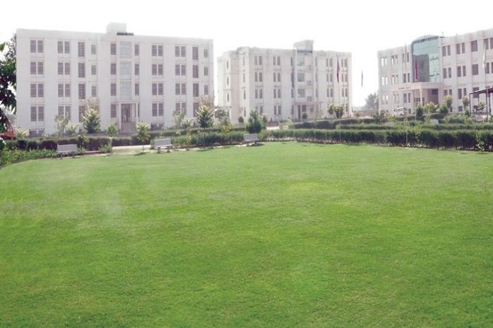 https://cache.careers360.mobi/media/colleges/social-media/media-gallery/20214/2019/4/26/Campus View of Maharani Girls College Jaipur_Campus-View.jpg