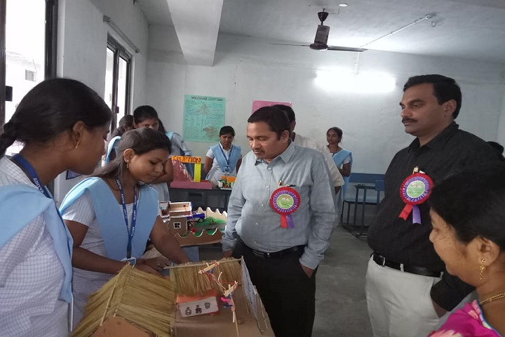 https://cache.careers360.mobi/media/colleges/social-media/media-gallery/20220/2019/1/9/Project Expo of Kakinada Sri Aditya Degree College Srikakulam_Others.jpg
