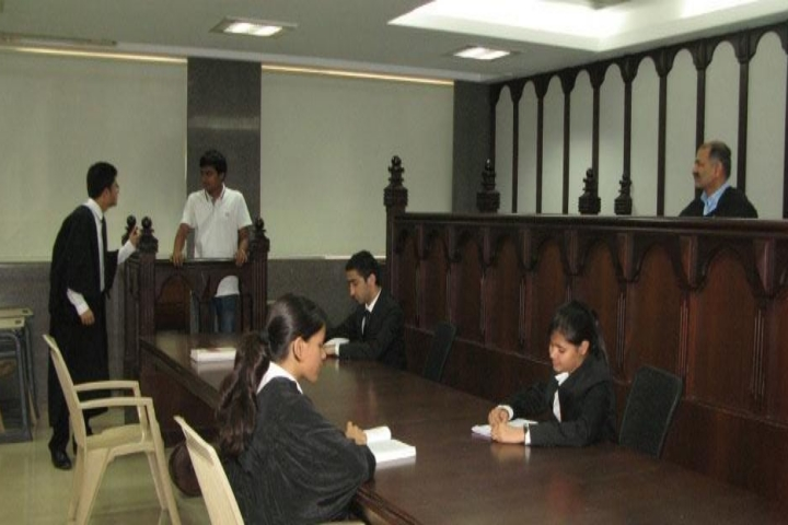https://cache.careers360.mobi/media/colleges/social-media/media-gallery/20253/2019/4/26/Moot Court of Kirit P Mehta School of Law Mumbai_Moot-Court.jpg