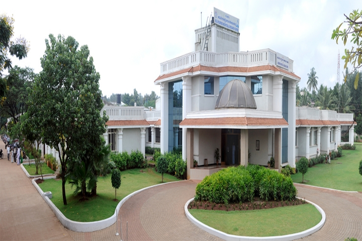 https://cache.careers360.mobi/media/colleges/social-media/media-gallery/20305/2018/12/28/Campus View of Shri BM Kankanawadi Ayurved Mahavidhyalaya and Kahe_s Ayurveda Hospital and Medical Research Centre, Belagavi_Campus View.jpg