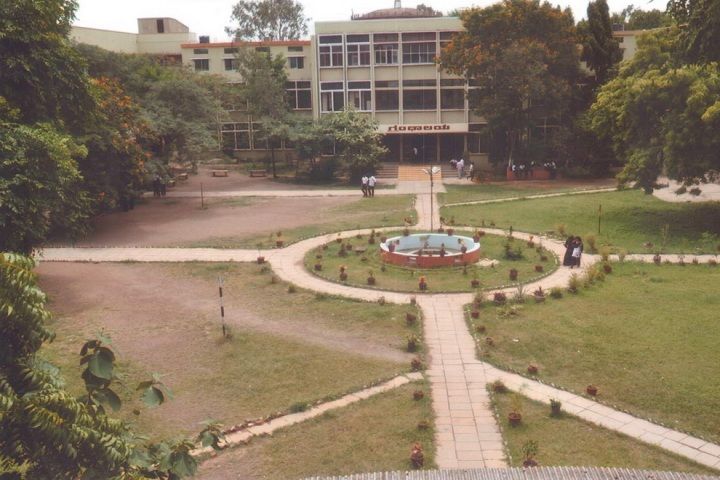 https://cache.careers360.mobi/media/colleges/social-media/media-gallery/20328/2018/9/29/Campus View of  Sharnbasveshwar College of Education Kalaburagi_Campus-View.jpeg