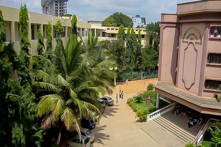 https://cache.careers360.mobi/media/colleges/social-media/media-gallery/20346/2018/12/5/College View of Sri Jagadguru Renukacharya College of Law Bangalore_Campus-View.jpg