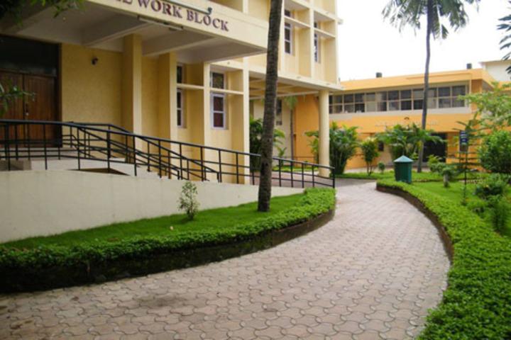https://cache.careers360.mobi/media/colleges/social-media/media-gallery/20428/2018/8/16/School-of-Social-Work-Mangalore_Campus-view.jpg