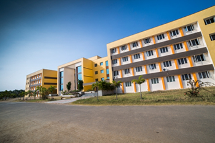 https://cache.careers360.mobi/media/colleges/social-media/media-gallery/2049/2019/1/5/Campus View of Pollachi Institute of Engineering and Technology Pollachi_Campus-View.jpg