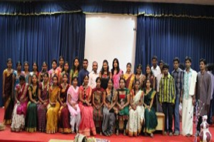 https://cache.careers360.mobi/media/colleges/social-media/media-gallery/20491/2018/12/25/Students of Sri Siddhartha Institute of Business Management Tumkur_Others.jpg