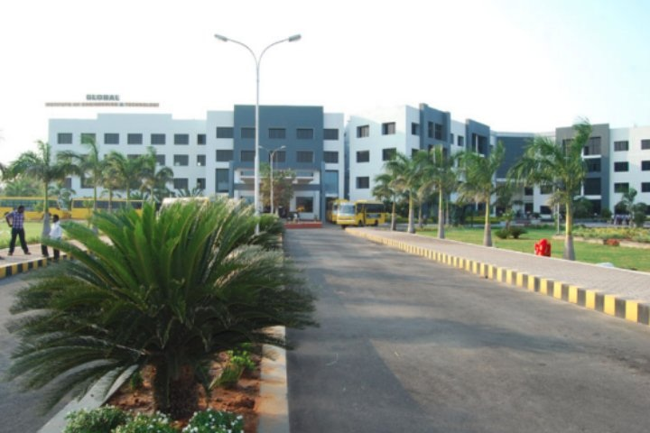 https://cache.careers360.mobi/media/colleges/social-media/media-gallery/2061/2018/10/31/Campus View of Global Institute of Engineering and Technology Vellore_Campus View.jpg