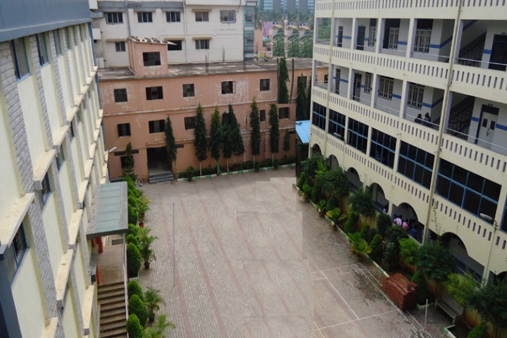 https://cache.careers360.mobi/media/colleges/social-media/media-gallery/20637/2018/11/8/College Building of Mother Teresa B Ed College Bangalore_Campus-View.jpg