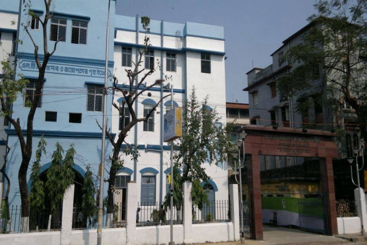 https://cache.careers360.mobi/media/colleges/social-media/media-gallery/20869/2017/10/5/The-Calcutta-Homoeopathic-Medical-College-and-Hospital-Kolkata1.jpg