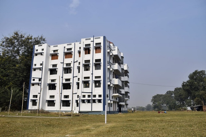 https://cache.careers360.mobi/media/colleges/social-media/media-gallery/21013/2019/7/29/Campus View of Prabharani Institute of Education Murshidabad_Campus-View.jpg