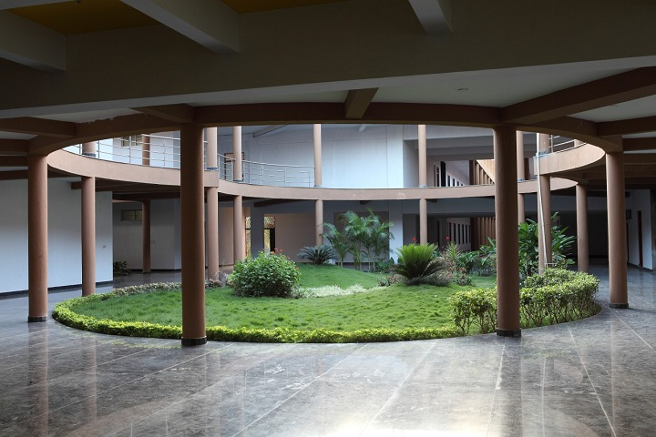 https://cache.careers360.mobi/media/colleges/social-media/media-gallery/2120/2019/2/21/Campus view of Shri Pillappa College of Engineering Bangalore_Campus-view.jpg
