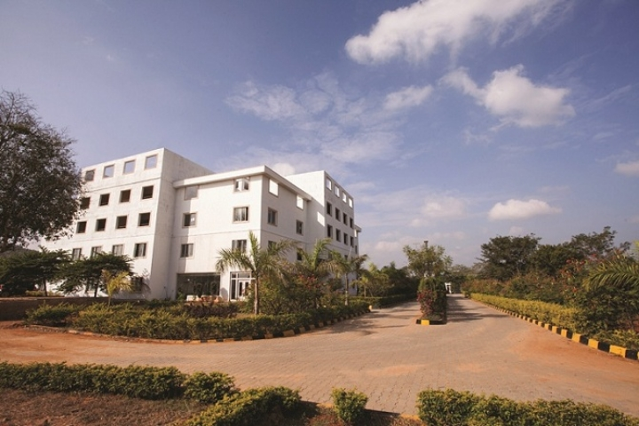 https://cache.careers360.mobi/media/colleges/social-media/media-gallery/2123/2018/10/24/Campus View of Sampoorna Institute of Technology and Research Bangalore_Campus-View.jpg