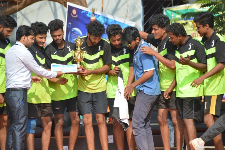 https://cache.careers360.mobi/media/colleges/social-media/media-gallery/2130/2018/9/15/Sports of Mangalore Marine College and Technology  Mangalore_Sports.JPG
