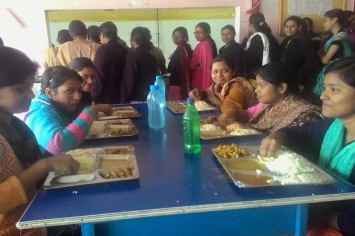 https://cache.careers360.mobi/media/colleges/social-media/media-gallery/21322/2017/10/12/Woodlands-College-of-Nursing-Bishnupur6.jpg