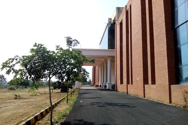 https://cache.careers360.mobi/media/colleges/social-media/media-gallery/2136/2020/9/14/Campus Side view of Government Engineering College Ramanagara_Campus-view.jpg