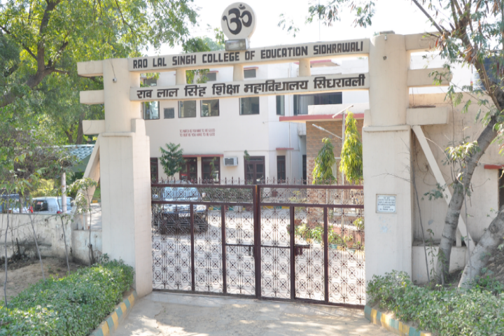 https://cache.careers360.mobi/media/colleges/social-media/media-gallery/21387/2018/9/27/Campus View of Rao Lal Singh College of Education Gurugram_Campus-View.png