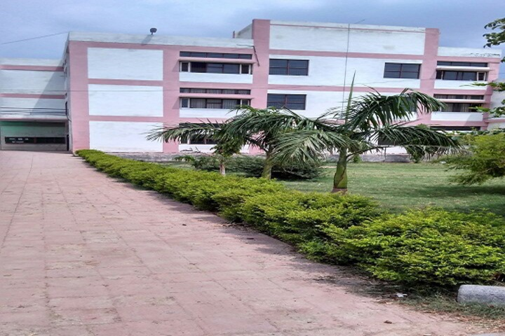 https://cache.careers360.mobi/media/colleges/social-media/media-gallery/21399/2018/12/28/Campus View of Government College Hansi_Campus-View.jpg