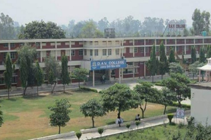 https://cache.careers360.mobi/media/colleges/social-media/media-gallery/21404/2018/11/12/College Building View of DAV College Pehowa_Campus-View.jpg