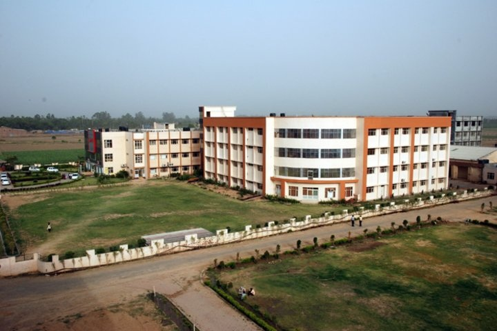 https://cache.careers360.mobi/media/colleges/social-media/media-gallery/21434/2019/4/8/Campus View of Ganpati Institute of Hotel Management Yamuna Nagar_Campus-View.jpg