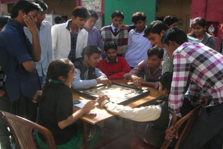 https://cache.careers360.mobi/media/colleges/social-media/media-gallery/21630/2017/11/8/Sant-Meera-College-Sheoganj6.jpg