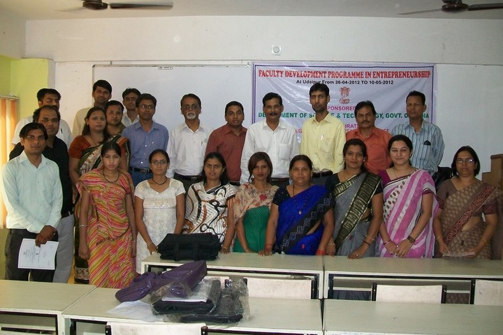 https://cache.careers360.mobi/media/colleges/social-media/media-gallery/21684/2017/11/3/SUN-Institute-of-Management-Studies-Udaipur02.jpg