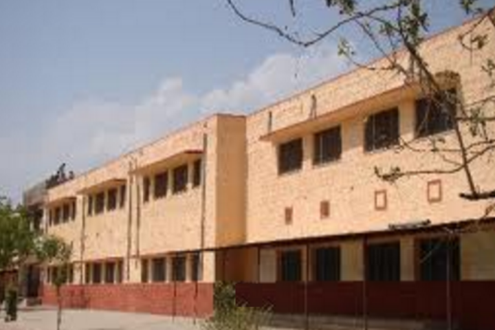 https://cache.careers360.mobi/media/colleges/social-media/media-gallery/21783/2018/12/6/College Adminitrative Building View of Government Law College Bundi_Campus-View.png