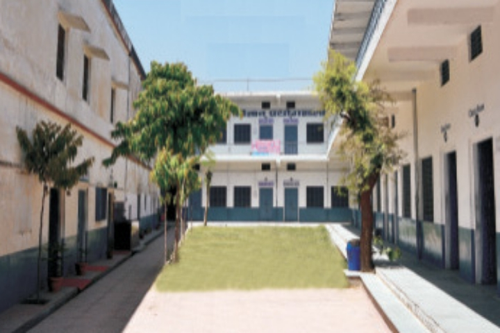 https://cache.careers360.mobi/media/colleges/social-media/media-gallery/21820/2018/11/8/Campus view of Shri Nawalgarh Girls College Jhunjhunu_Campus-view.jpg