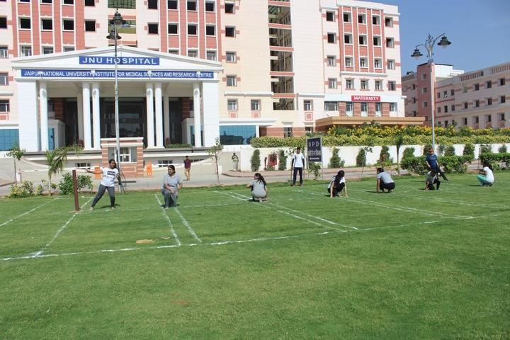 https://cache.careers360.mobi/media/colleges/social-media/media-gallery/21963/2019/1/11/Campus View of Jaipur National University Institute for Medical Sciences and Research Centre Jaipur_Campus-View.jpg