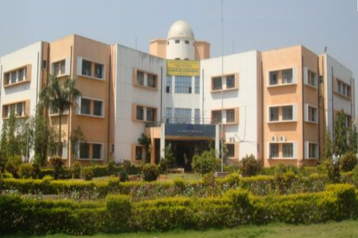 https://cache.careers360.mobi/media/colleges/social-media/media-gallery/22008/2018/11/23/Campus view of College of Horticulture Arabhavi_Campus-view.png