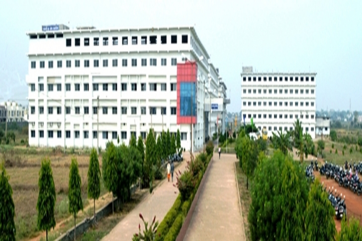 https://cache.careers360.mobi/media/colleges/social-media/media-gallery/22061/2018/12/21/Campus view of Bharati College BIIT Durg_Campus-view.jpg