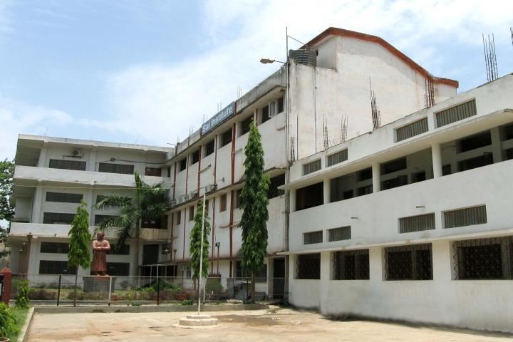 https://cache.careers360.mobi/media/colleges/social-media/media-gallery/22073/2020/2/1/Campus-View of Sai Mahavidyalaya Bhilai_Campus-View.jpg