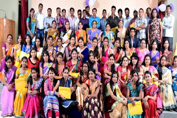 https://cache.careers360.mobi/media/colleges/social-media/media-gallery/22089/2019/6/12/Students of Jagadguru Shankaracharya College of Education Bhilai_Others.jpg