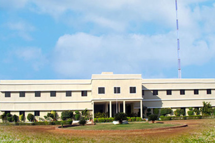 https://cache.careers360.mobi/media/colleges/social-media/media-gallery/22117/2019/6/13/Campus-View of IBT College of Science and Arts Durg_Campus-View.jpg