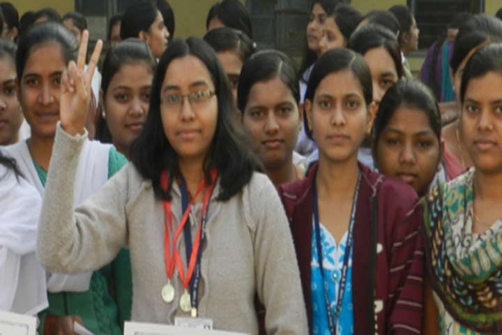 https://cache.careers360.mobi/media/colleges/social-media/media-gallery/22150/2017/12/8/Government-DB-Girls-PG-Autonomous-College-Raipur1.png
