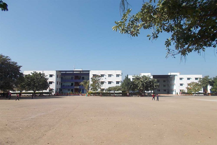 https://cache.careers360.mobi/media/colleges/social-media/media-gallery/22165/2018/12/11/College View of SV Patel Law College Rajkot_Campus-View.jpg