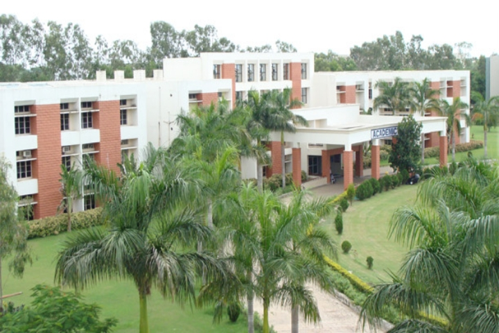 https://cache.careers360.mobi/media/colleges/social-media/media-gallery/2217/2018/10/29/Campus View of Dhaneshwar Rath Institute of Engineering and Management Cuttack_Campus View.jpg