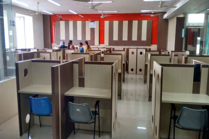 https://cache.careers360.mobi/media/colleges/social-media/media-gallery/22182/2018/11/30/Library of Oriental College of Law Navi Mumbai_Library.jpg