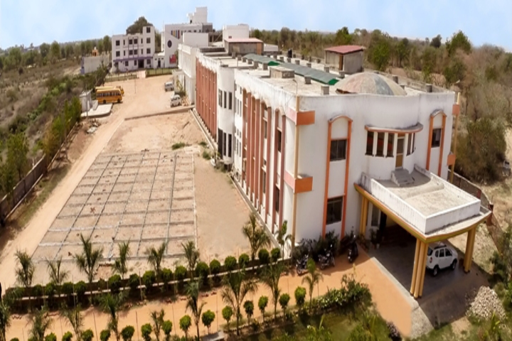 https://cache.careers360.mobi/media/colleges/social-media/media-gallery/22198/2018/11/30/Campus view of RNT Law College Chittorgarh_Campus-view.jpg