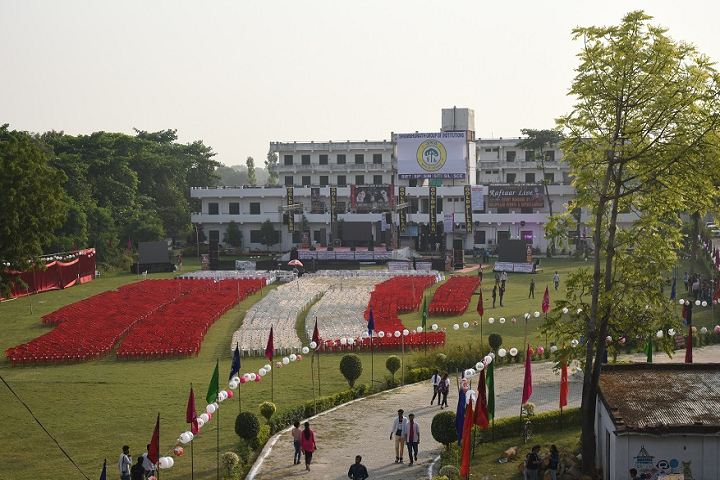 https://cache.careers360.mobi/media/colleges/social-media/media-gallery/22251/2018/12/5/Campus View of Shambhunath Institute of Law Allahabad_Campus-view.png