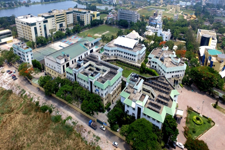 https://cache.careers360.mobi/media/colleges/social-media/media-gallery/22268/2018/12/5/Campus view of Heritage Law College Kolkata_Campus-view.jpg