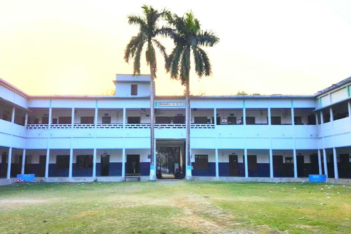 https://cache.careers360.mobi/media/colleges/social-media/media-gallery/22366/2019/6/10/Campus View of Nabagram Hiralal Paul College Hooghly_Campus-View.jpg