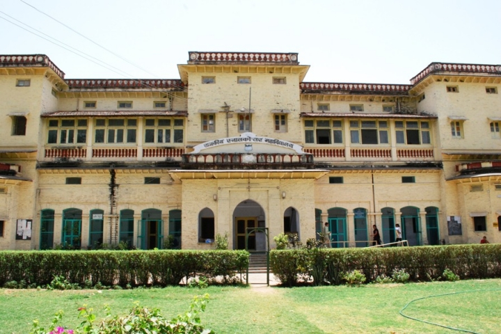 https://cache.careers360.mobi/media/colleges/social-media/media-gallery/22404/2019/6/12/Campus View of Government College Sirohi_Campus-View.jpg