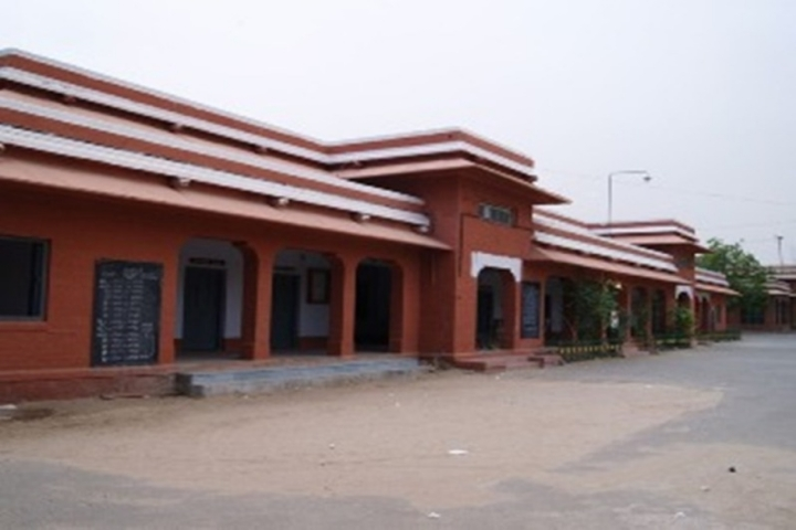 https://cache.careers360.mobi/media/colleges/social-media/media-gallery/22411/2019/6/13/Campus View of Government Maharani Sudarshan College for Women Bikaner_Campus-View.jpg